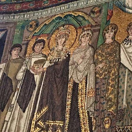 Basilica San Vitale: photo2.jpg