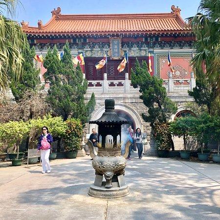 Po Lin (Precious Lotus) Monastery: photo1.jpg