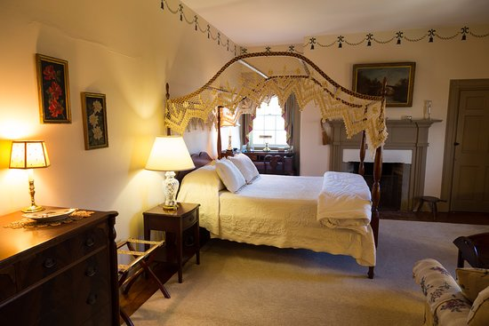 Chestertown, MD: The Ringold Room