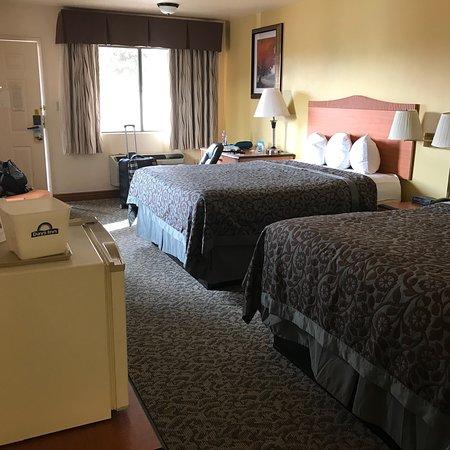 Days Inn by Wyndham Sierra Vista: photo0.jpg