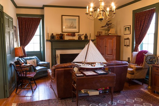 Chestertown, MD: Parlor