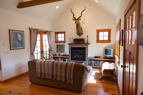 Chestertown, Μέριλαντ: The Great Room in the Stones Throw Cottage