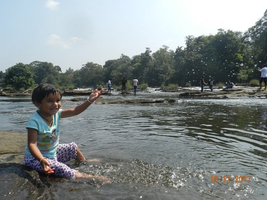 Athirappilly Waterfalls : 923_large.jpg
