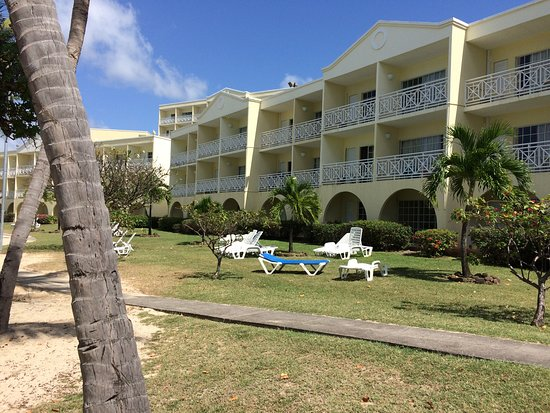 Grenadian by Rex Resorts : Beach front rooms