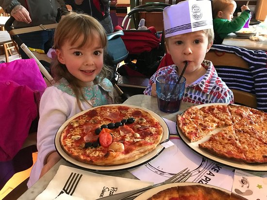 Restaurants Pizza Express In Perth Kinross With Cuisine