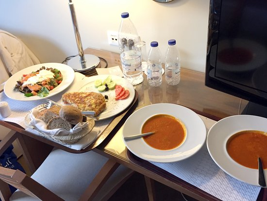 Atrion Hotel: A delicious meal from room service