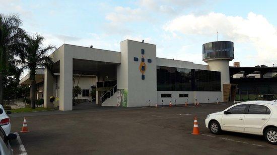 Londrina, PR: O templo é confortável, espaçoso, com excelente sistema de som.