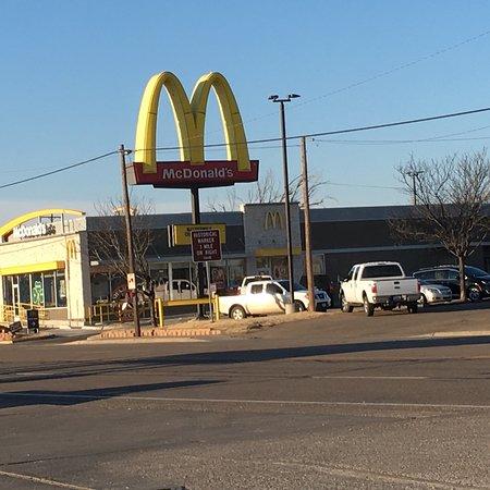 Shamrock, TX: Outside.