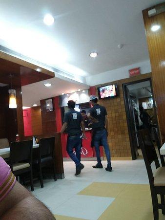 Pizza Hut: TA_IMG_20180317_232113_large.jpg
