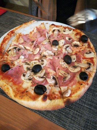 Marinha Grande, Portugal: Pizza Capriciosa