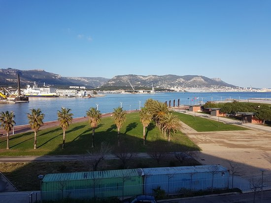 veiw from our room xxx photo de kyriad prestige toulon l s s m centre port la seyne sur. Black Bedroom Furniture Sets. Home Design Ideas
