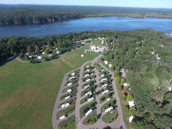 Holiday Shores Campground & Resort: The Meadows