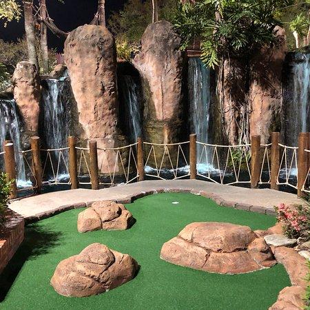 Pirate's Cove Adventure Golf: photo7.jpg