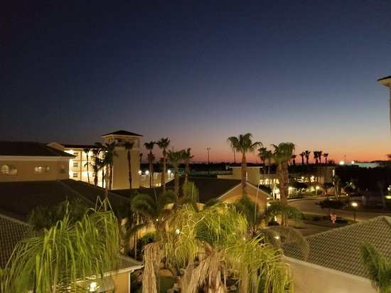 Holiday Inn Club Vacations Cape Canaveral Beach Resort: 20180313_200318_large.jpg