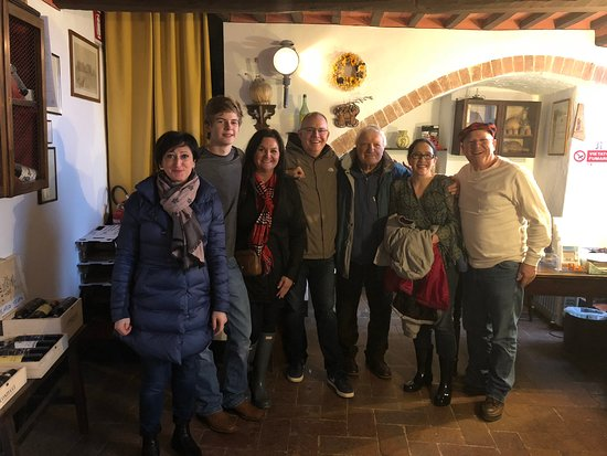 Montepulciano, İtalya: Our group with the winemaker!