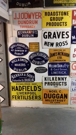 Bruff, Irland: Signs