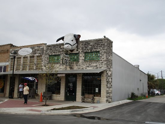 Hutto, TX: Texan Cafe Exterior