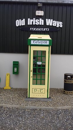 Bruff, Ireland: Old Irish Phone Box