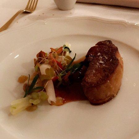 Restaurant la table du conn table dans chantilly avec - La table du connetable chantilly ...