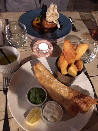 Ticehurst, UK: Really nice fish and chips, though pork belly was even better