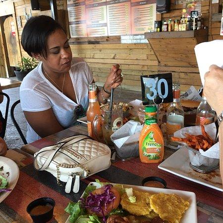 Guayama, Puerto Rico: Chi chorreando, Mesera Cristal