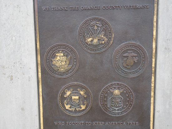 Dana Point, Californië: The 5 branches of the US Armed Forces are recognized