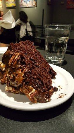 Cafe Latte : the Chocolate Turtle Cake