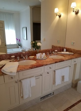 Williamsburg Inn: His and her's sinks in the lavish bathroom