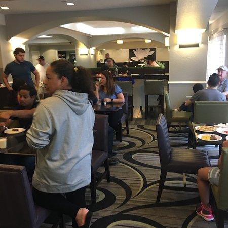La Quinta Inn & Suites San Antonio Airport: photo3.jpg