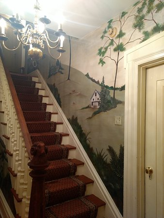 Holicong, PA: Staircase to rooms