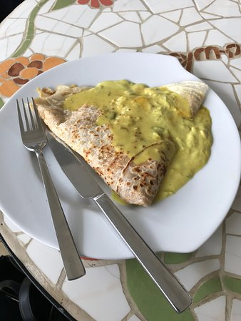 Savory crepe with chicken and leek sauce
