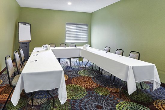 Libertyville, IL: Meeting room