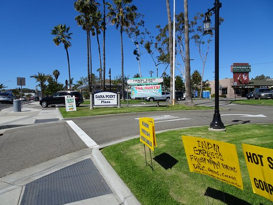 Dana Point, Kaliforniya: The Park is the location for Saturday Farmers Market day