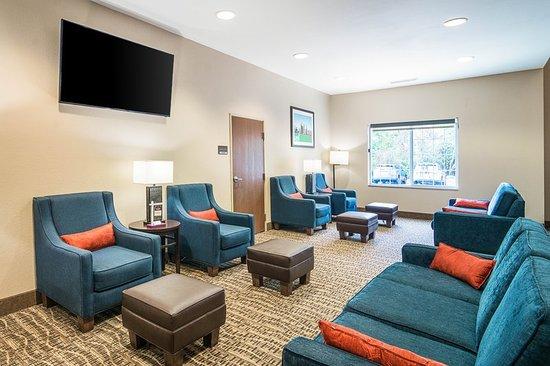 Comfort Suites Grayslake