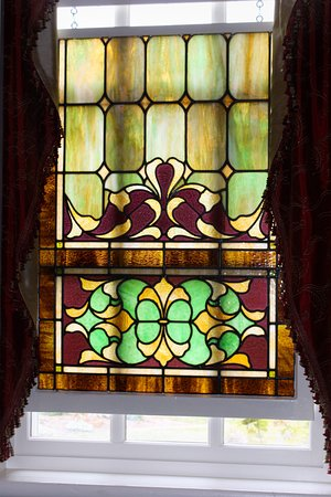 Mossville, IL: Stained glass window in dining room
