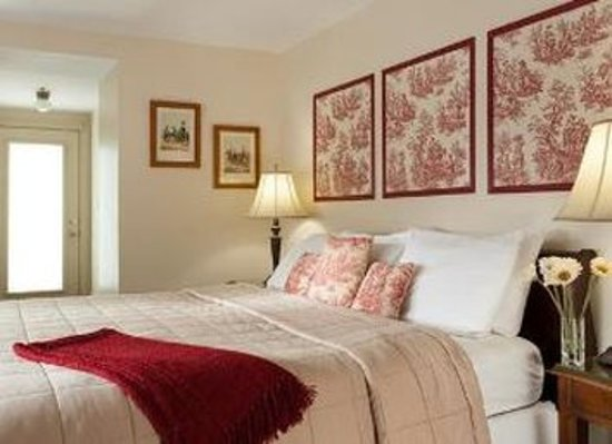 The Lafayette Inn: Guest room