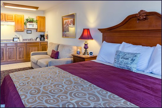 Branson West, MO: King Kitchenette Suite