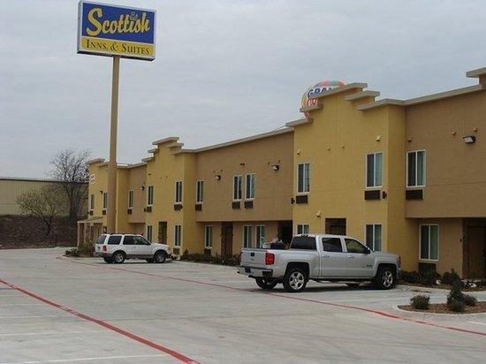 White Settlement, TX: Exterior