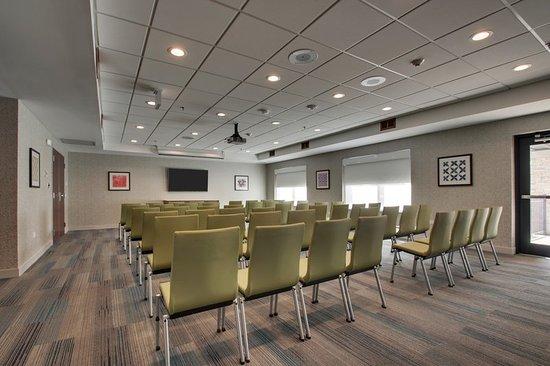 Aurora, IL: Meeting room