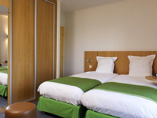 Ibis Styles Bourbon Lancy : Guest room