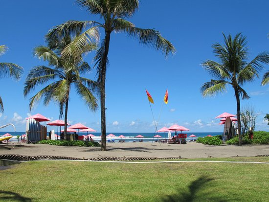 The Royal Beach Seminyak Bali - MGallery Collection: Start of the front beach area