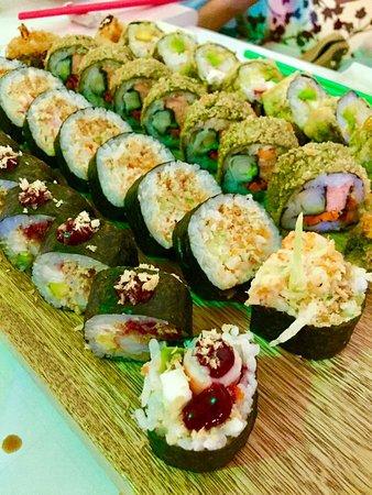 Akikomo Sushi Photo