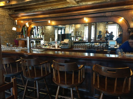 Mineral Point, WI: Handsome bar