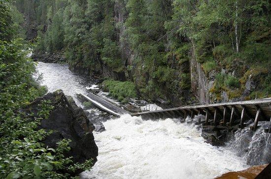 Voyage aux chutes d'eau d'Auttikongas