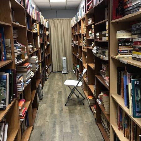 Murfreesboro, TN: The Grumpy Bookpeddler