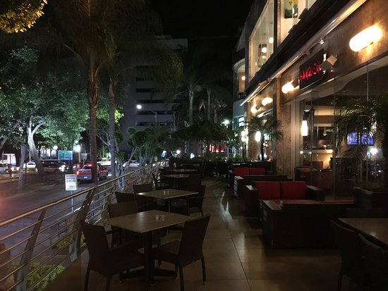 Grand Fiesta Americana Guadalajara Country Club : the bar to be protected from our kid