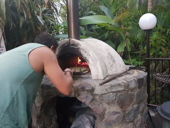 Mooloolah Valley, Australie : Self-service Pizza Oven