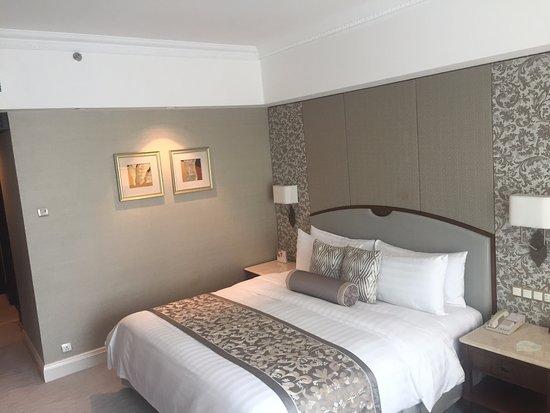 SHANGRI-LA HOTEL JAKARTA (S̶$̶2̶9̶2̶) S$230: UPDATED 2018 Reviews on room in box, room in tree, room in order, room in boat, room in buffalo, room in bed, room in bag, room in car, room in heart, room in house,