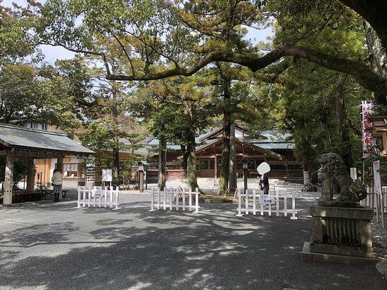 猿田彦神社, 広々とした境内でした。