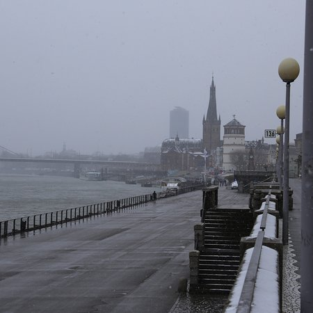 Rheinufer: photo0.jpg